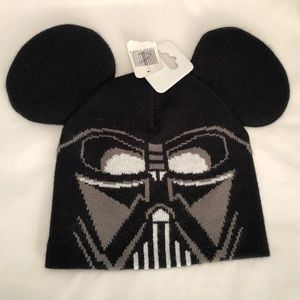 NWT Disney Parks Kids Darth Vader Beanie Hat